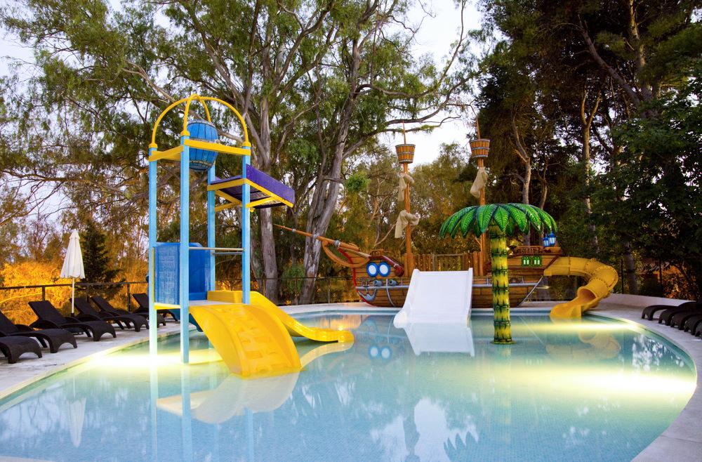 Hoteles niños gratis: 10 Opciones geniales que te gustarán